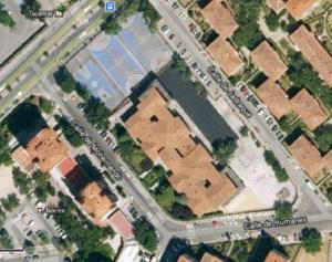 Vista aérea cuando aún no estaba construido el pabellón, en la esquina entre las calles de Humanes y Jadraque.